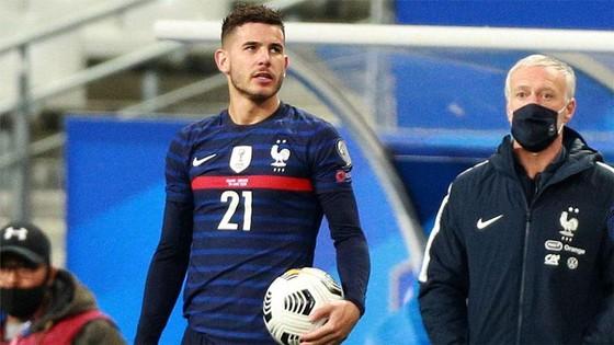 Tuyển thủ Pháp Lucas Hernandez có thể phải ngồi tù 6 tháng