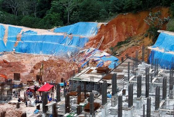 Tai nạn giao thông nghiêm trọng tại Malaysia, 40 người thương vong ảnh 1