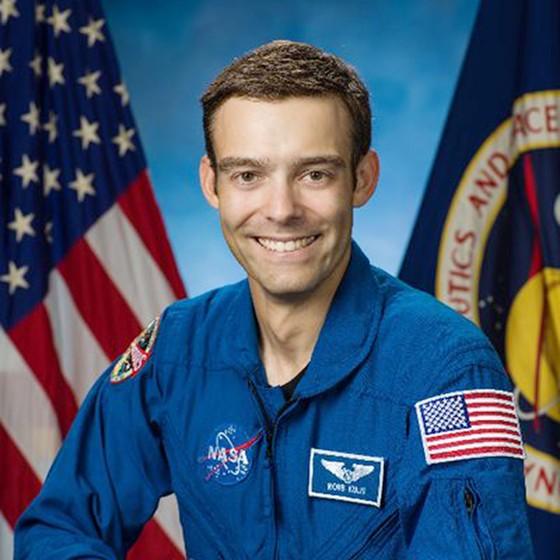 Lần đầu tiên trong 50 năm, 1 phi hành gia xin rút khỏi chương trình đào tạo của NASA ảnh 1