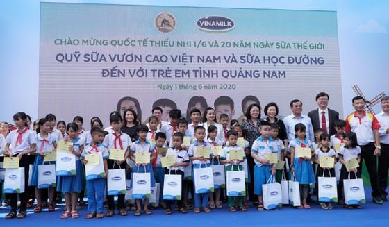 Quỹ sữa Vươn cao Việt Nam: Vượt trở ngại COVID để mang 1,7 triệu ly sữa đến trẻ em khó khăn  ảnh 2