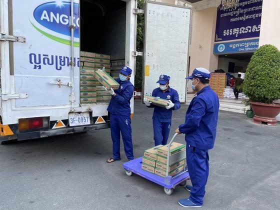 Angkormilk, trao tặng 48.000 sản phẩm cho người dân campuchia ảnh 1