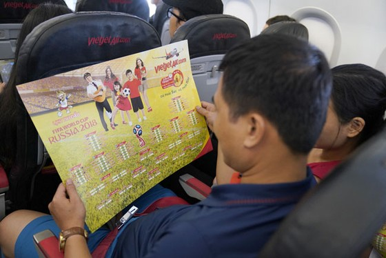 Hành khách hào hứng với lịch thi đấu World Cup 2018 của Vietjet ảnh 4