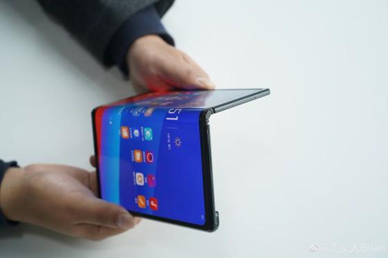 Xu hướng điện thoại màn hình gập lên ngôi trong năm 2019 ảnh 3
