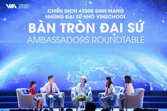 Ngôi sao điện ảnh Dương Tử Quỳnh tham gia chương trình Đại sứ nhỏ Vinschool ảnh 1