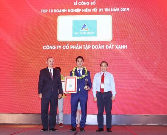 Đất Xanh đạt giải Top 10 công ty niêm yết uy tín năm 2019 ảnh 2