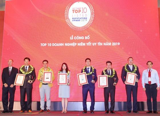 Đất Xanh đạt giải Top 10 công ty niêm yết uy tín năm 2019 ảnh 1