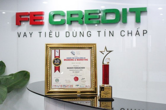 FE Credit nhận thêm 3 giải thưởng tại lễ trao giải CMO Asia 2019 ảnh 1