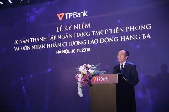 Enterprise Asia trao tặng giải thưởng kép cho ông Đỗ Minh Phú và TPBank ảnh 1