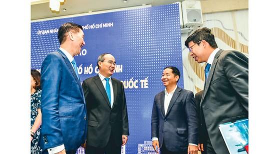 Ông Nguyễn Thành Phong, Chủ tịch UBND TPHCM: Nhanh chóng bắt nhịp xu thế mới của thế giới ảnh 2