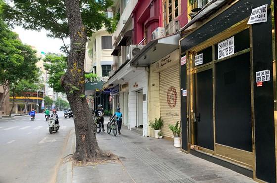 Những hình ảnh toàn dân phòng chống dịch tại Hà Nội và TPHCM ảnh 19