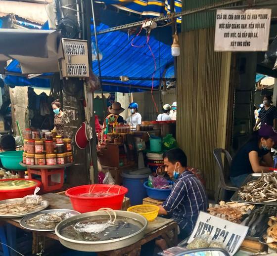 Những hình ảnh toàn dân phòng chống dịch tại Hà Nội và TPHCM ảnh 21