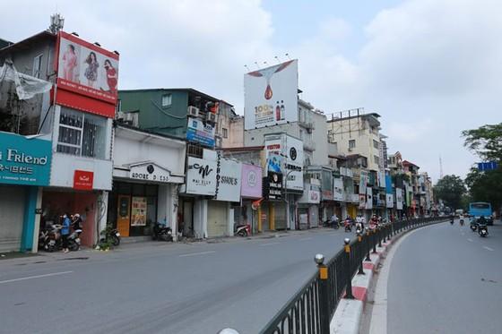Những hình ảnh toàn dân phòng chống dịch tại Hà Nội và TPHCM ảnh 3