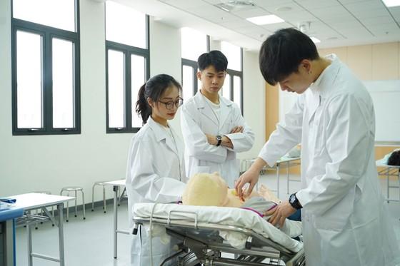 Vì sao khoa học sức khỏe là nghề nghiệp quan trọng cho tương lai? ảnh 1