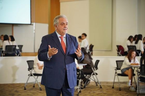 GS. Maurizio Trevisan: Xây dựng nguồn nhân lực cốt lõi ở mọi bệnh viện  ảnh 3