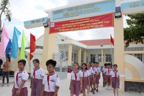 Khánh thành 2 trường học và đường giao thông tại Bến Tre ảnh 1