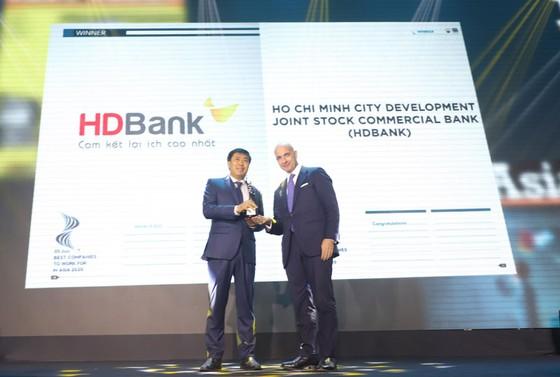 """HDBank 3 năm liên tiếp là """"nơi làm việc tốt nhất châu Á"""" ảnh 1"""