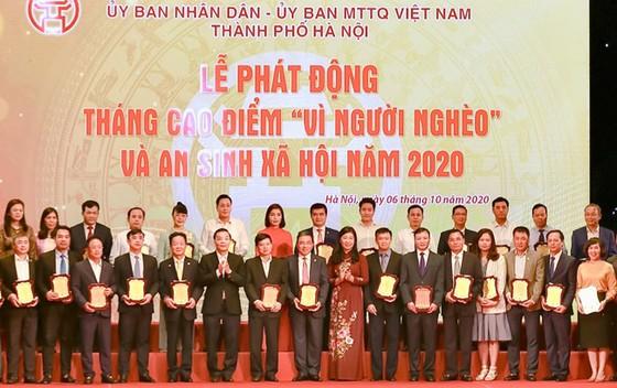 """""""Bầu Hiển"""" ủng hộ 5 tỷ đồng cho quỹ Vì người nghèo TP Hà Nội ảnh 2"""