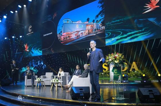 Meyhomes Capital Phú Quốc tặng khách hàng Mercedes C180 ảnh 3