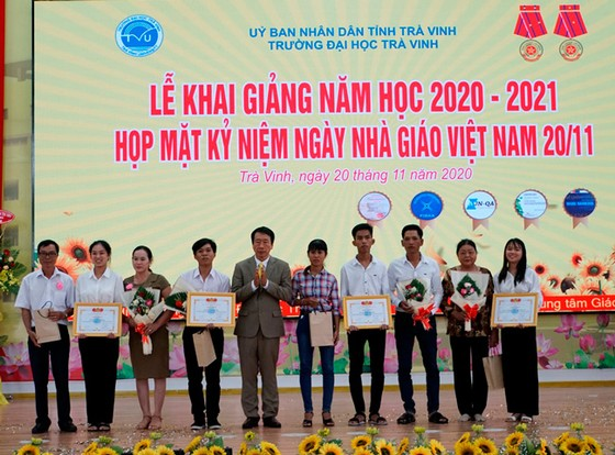 Đại học Trà Vinh khai giảng năm học mới 2020-2021 ảnh 1