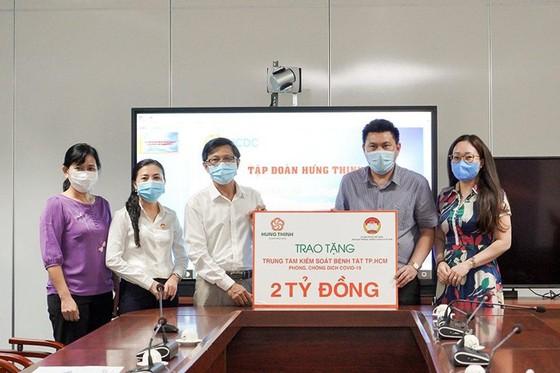 Hưng Thịnh trao tặng 2 tỷ đồng cho HCDC phòng, chống dịch Covid-19 ảnh 1
