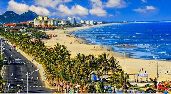 Vietnam should take advantage of its beautiful coastline in choosing SEZ model.