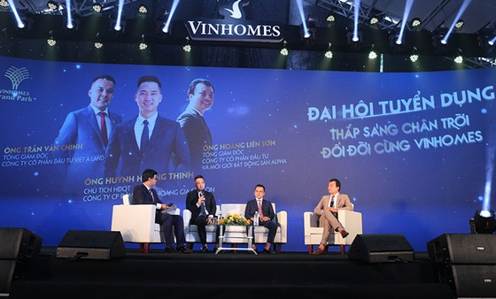 Siêu sự kiện Tuyển dụng Vinhomes 2021 thu hút hàng ngàn bạn trẻ ảnh 1