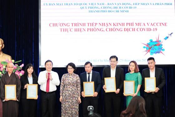 Hưng Thịnh trao tặng 50 tỷ đồng kinh phí mua vaccine ngừa Covid-19 ảnh 2