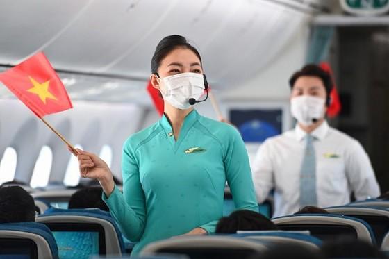 Nhiều hoạt động kỷ niệm ngày 30/4 trên các chuyến bay Vietnam Airlines  ảnh 2