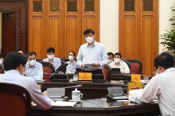 Thủ tướng Phạm Minh Chính chủ trì họp khẩn phòng chống COVID-19 ảnh 1