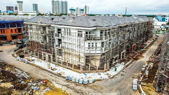 It often takes a long time for many real estate projects to be licensed in HCMC.