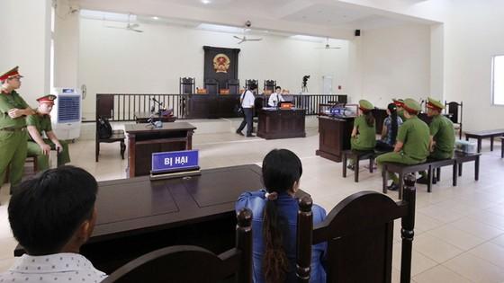Xét xử sơ thẩm vụ án vợ giết chồng rồi phân xác phi tang ở Bình Dương ảnh 2