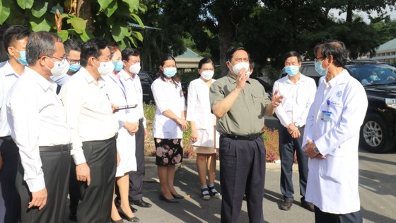 Bệnh viện là 'điểm cuối' chống dịch, vì vậy không để xảy ra lây nhiễm từ trong bệnh viện ảnh 1