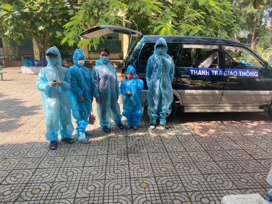 5 người trong một gia đình khó khăn được hỗ trợ đưa về quê ở Tây Ninh ảnh 1