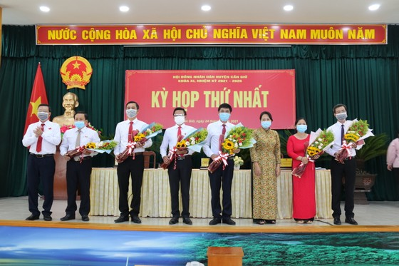 Đồng chí Lê Minh Dũng tái đắc cử chức Chủ tịch HĐND huyện Cần Giờ ảnh 1