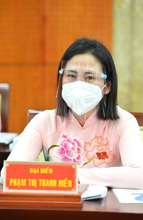 Đại biểu HĐND TPHCM trong kỳ họp thứ nhất khóa X nhiệm kỳ 2021-2026 ảnh 6