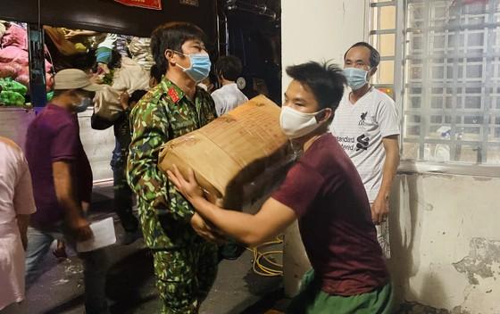 Chuyến xe yêu thương từ Lâm Đồng vào TPHCM chở 20 tấn rau củ ảnh 3