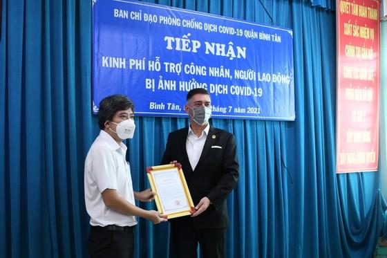 Hỗ trợ 2 tỷ đồng chăm lo công nhân, lao động quận Bình Tân ảnh 2