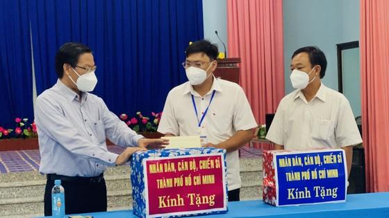 Phó Bí thư Thường trực Thành ủy TPHCM Phan Văn Mãi: Xây dựng cộng đồng an toàn và không Covid-19 ảnh 3