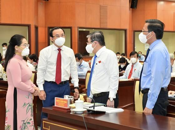 Bí thư Thành ủy TPHCM Nguyễn Văn Nên: Đại biểu HĐND TPHCM là những 'chiến sĩ' quan trọng trên mặt trận chống dịch ảnh 3