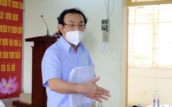 Bí thư Thành ủy TPHCM Nguyễn Văn Nên: Vận động các nguồn lực hỗ trợ người dân khó khăn ảnh 2