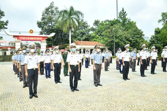 300 cán bộ, học viên Trường Cao Đẳng Hải quân và Trường Sĩ quan Lục Quân 2 tham gia chống dịch  ảnh 3
