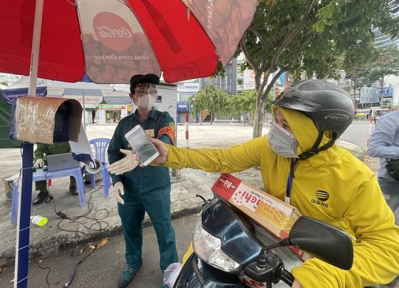 Công an TPHCM phát hiện hơn 17.000 người ra đường không lý do chính đáng ảnh 1