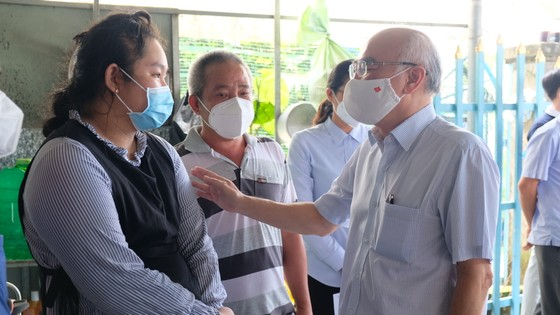 Huyện Bình Chánh chăm lo ăn học cho 141 trẻ em mồ côi đến 18 tuổi ảnh 1