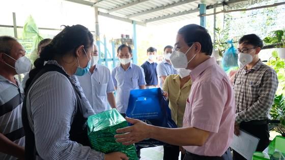Huyện Bình Chánh chăm lo ăn học cho 141 trẻ em mồ côi đến 18 tuổi ảnh 5