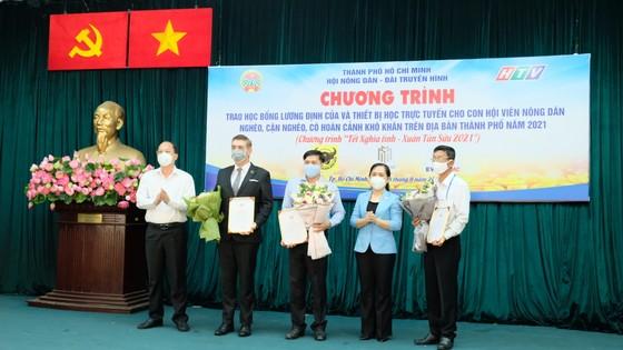 Hội Nông dân TPHCM trao 654 suất học bổng Lương Định Của cho học sinh khó khăn ảnh 5