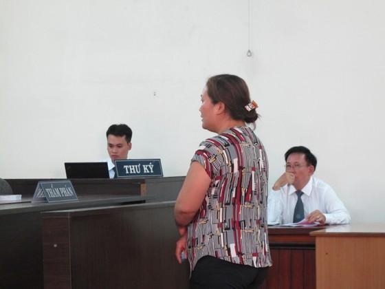 """Truy tố vợ chồng thư ký tòa án lừa đảo """"chạy án"""" ảnh 1"""