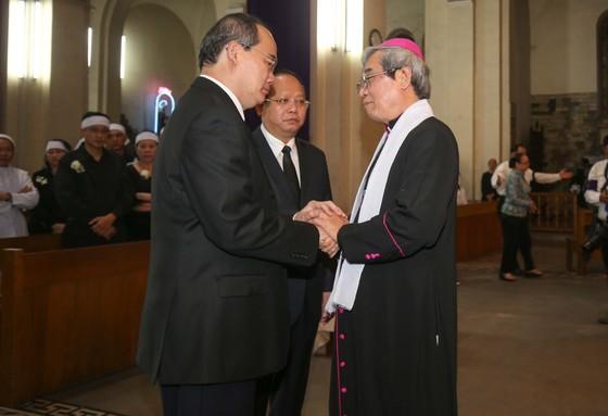 Nhiều đoàn trung ương, địa phương viếng Đức Tổng Giám mục Bùi Văn Đọc, đoàn TPHCM,  ảnh 3