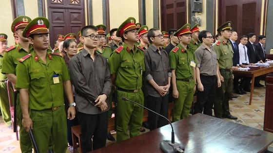 """12 thành viên của """"Chính phủ quốc gia Việt Nam lâm thời"""" lãnh 112 năm tù ảnh 1"""