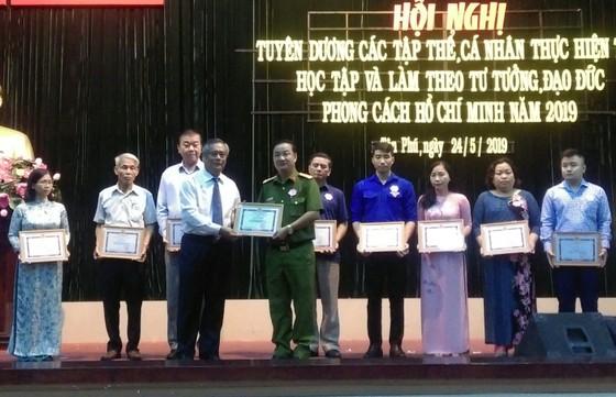 Quận Tân Phú tuyên dương gương làm theo Bác ảnh 2