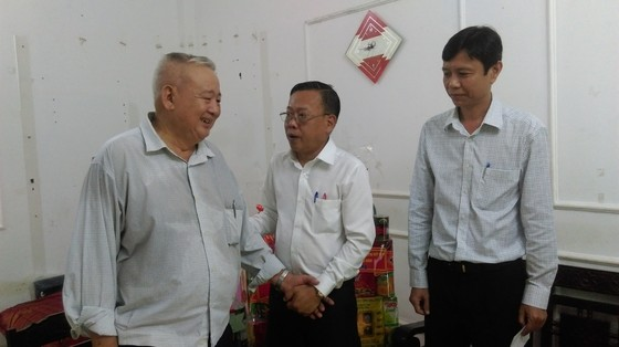 Trưởng Ban Dân vận Thành ủy TPHCM thăm các gia đình chính sách ảnh 3